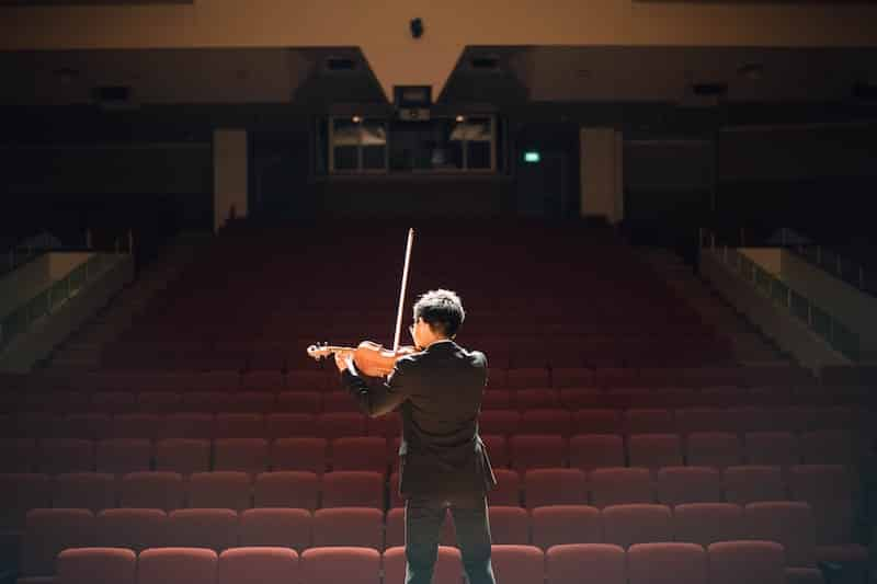 15 Famous Violin Players you Should Know